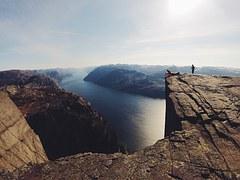 cliff-731840__180
